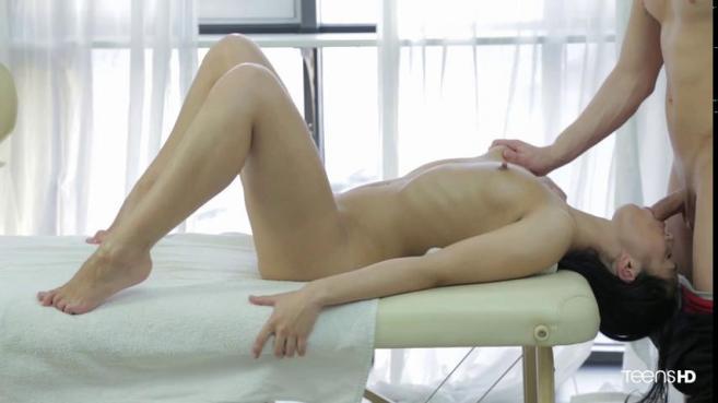 Больше всего девушка любит, когда ей делают нежный массаж вагины